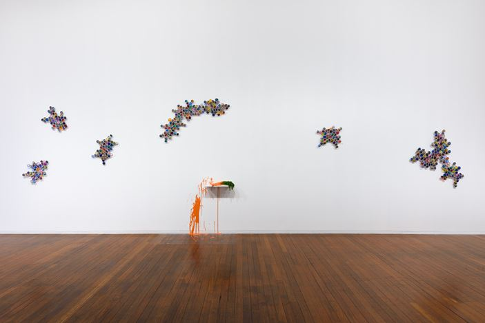 Exhibition view, Jim Lambie, Wild Is The Wind, Roslyn Oxley9 Gallery, Sydney (October 30 – November 23, 2019); Photo: Luis Power