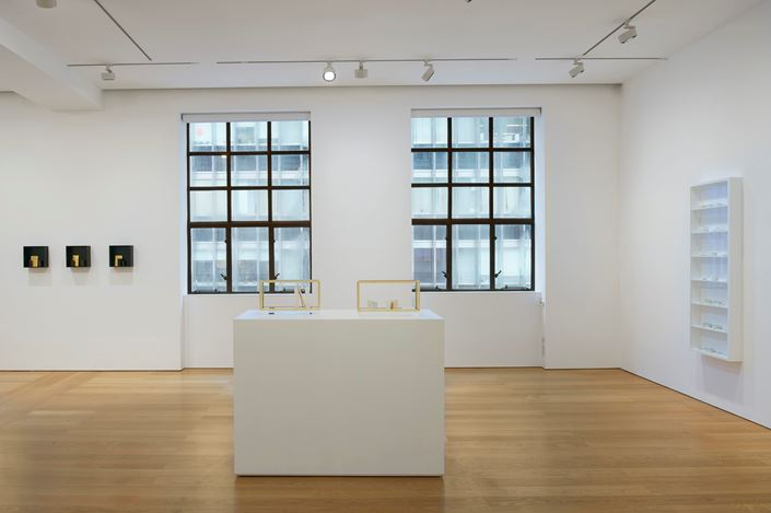 Exhibition view: Edmund de Waal, cold mountain clay, Gagosian, Hong Kong (20 November 2020–9 January 2021). © Edmund de Waal. Courtesy Gagosian.