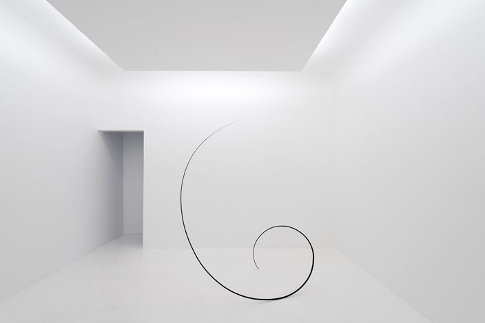 Exhibition view: Otto Boll, Axel Vervoordt Gallery, Hong Kong (20 March–3 June 2017). Courtesy Axel Vervoordt Gallery. © Jean-Pierre Gabriel.