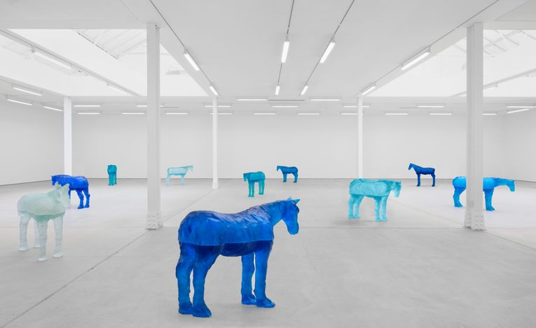 Exhibition view: Ugo Rondinone,a sky . a sea . distant mountains . horses . spring ., Sadie Coles HQ, Kingly Street, London (12 April–22 May 2021). Courtesy Sadie Coles HQ.