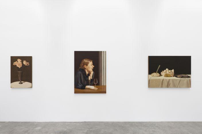 Exhibition view: Anna Weyant, Loose Screw, Blum & Poe, Los Angeles (23 March–1 May 2021). © Anna Weyant. Courtesy the artist, Blum & Poe, Los Angeles/New York/Tokyo. Photo: Dan Finlayson.