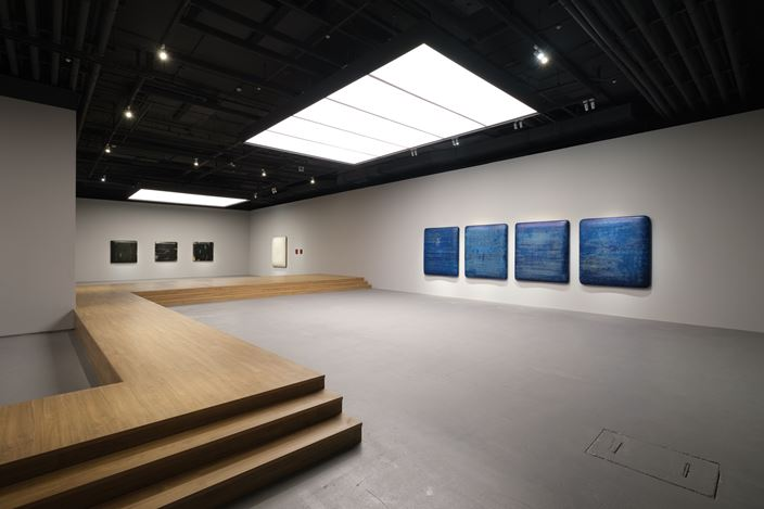 Exhibition view: Su Xiaobai, Beneath a descending moon, breathing 一池光井, Tina Keng Gallery, Taipei (7 December 2019–22 January 2020). Courtesy Tina Keng Gallery.