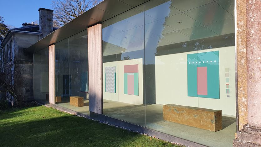 Exhibition view: Tess Jaray,From Piero and other paintings,New Art Centre, Salisbury (23 January–3 May 2021). Courtesy New Art Centre.