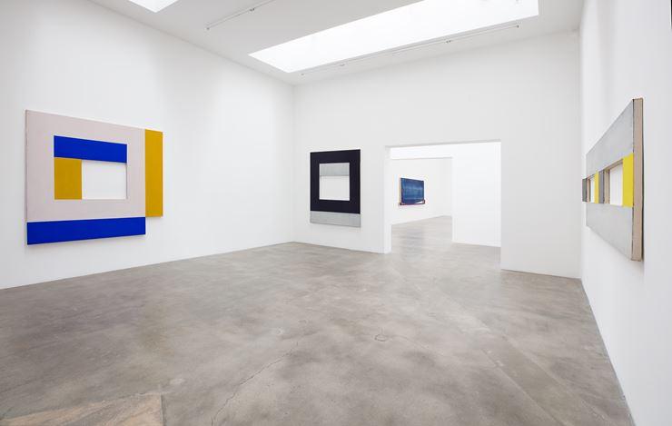 Exhibition view: Harvey Quaytman, Blum & Poe, Los Angeles (9 November 2019–11 January 2020). © Harvey Quaytman Trust. Courtesy the Trust and Blum & Poe, Los Angeles/New York/Tokyo. Photo: Makenzie Goodman.