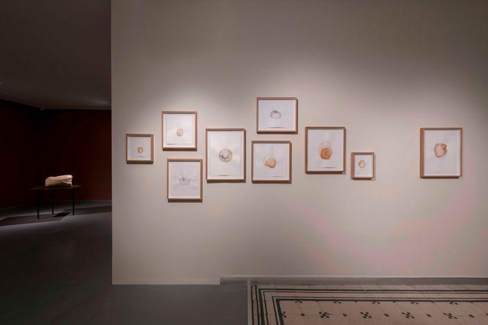 Exhibition view:Yaşam Şaşmazer,either/or, Zilberman, Istanbul (2 April–29 May 2021). Courtesy Zilberman.