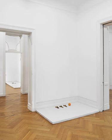 Exhibition view: Anne Imhof, Imagine, Galerie Buchholz, Berlin (13 September–26 October 2019). Courtesy Galerie Buchholz, Berlin/Cologne/New York.