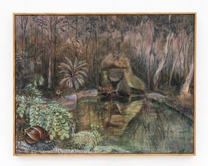 Caracol gigante africano sobre palo brasil (Achatina fulica sobre Caesalpina echinata) by Alberto Baraya contemporary artwork