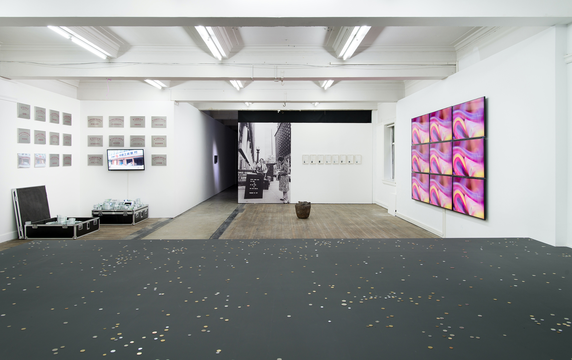 Exhibition view, The Bank Show, Vive Le Capital, (2015), BANK, Shanghai. Image courtesy the gallery.