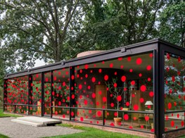 On the dot: Yayoi Kusama embellishes Philip Johnson's Glass House