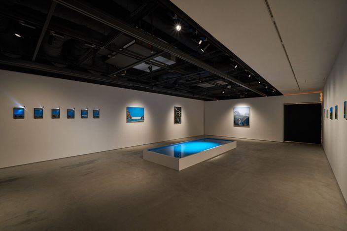 Exhibition view: Naoya Inose, Vacation on the Blue, THE CLUB, Tokyo (3 July–27 August 2021). Courtesy THE CLUB.