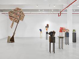 """Phyllida Barlow<br><em>tilt</em><br><span class=""""oc-gallery"""">Hauser & Wirth</span>"""