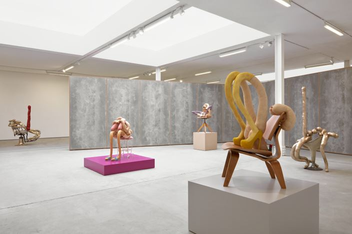 Exhibition view: Sarah Lucas,HONEY PIE, Sadie Coles HQ, Kingly Street, London (16 March–8 August 2020). Courtesy Sadie Coles HQ.