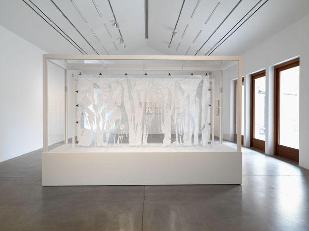 Exhibition view: Gustav Metzger, Hauser & Wirth, Somerset (26 June–12 September 2021). © The Estate of Gustav Metzger and The Gustav Metzger Foundation. Courtesy The Estate of Gustav Metzger and Hauser & Wirth. Photo Ken Adlard.