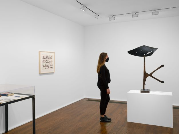 Exhibition view: David Smith, Follow My Path, Hauser & Wirth, 69th Street, New York (27 April–30 July 2021). © 2021 The Estate of David Smith / Licensed by VAGA at Artists Rights Society (ARS), NY.Courtesy the Estate of David Smith and Hauser & Wirth.
