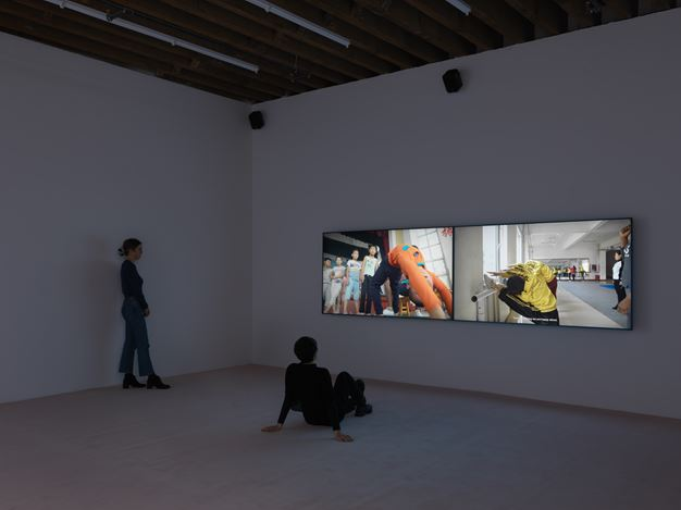 Exhibition view: He Xianyu,Soft Dilemma, Andrew Kreps Gallery, Cortlandt Alley, New York (15 January–21 February 2021). Courtesy the Artist and Andrew Kreps Gallery, New York Photo: Dan Bradica.