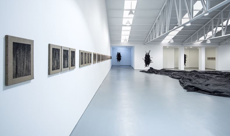Exhibition view: Joël Andrianomearisoa, Dancing with the Angels,Sabrina Amrani,Sallaberry, 52, Madrid (23 January–28 March 2021). Courtesy the artist and Sabrina Amrani.
