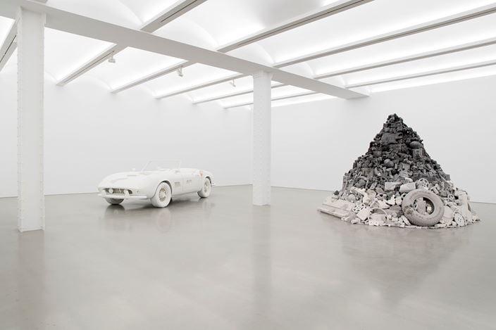 Exhibition view: Daniel Arsham, 3018, Perrotin, New York (8 September–21 October 2018). Courtesy Perrotin.Photo: Guillaume Ziccarelli.
