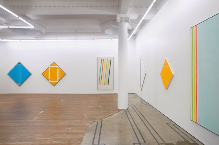 Exhibition view: Ian Scott, Sprayed Stripes and New Lattices, Michael Lett, Auckland (16 May–17 June 2017). Courtesy Michael Lett.