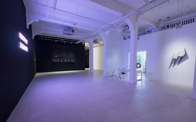 Exhibition view of IN SILENCE: Pearl Lam Galleries, Hong Kong, 2016 is courtesy of the gallery.