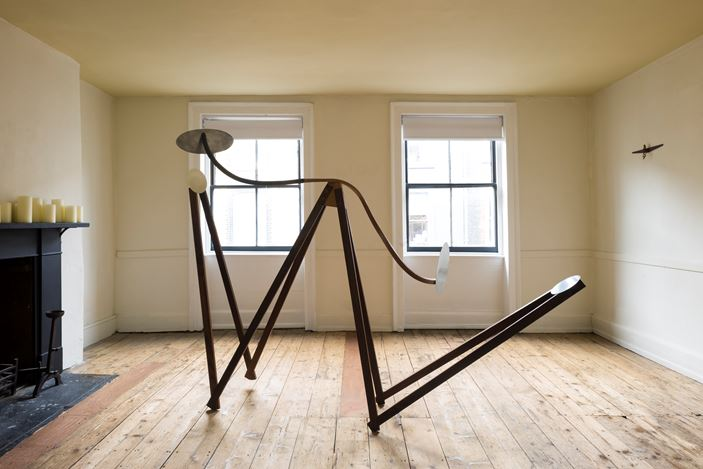 Exhibition view: Alison Wilding,Mesmer, Again, Karsten Schubert London, (12 April–20 May 2021). Courtesy Karsten Schubert.