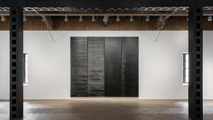 Exhibition view: Pierre Soulages, Perrotin, Shanghai (5 November–28 December 2019).©Pierre Soulages / ADAGP, Paris, 2019. Courtesy the artist and Perrotin. Photo: Ringo Cheung.