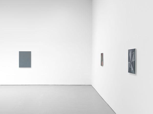 Exhibition view:Tomma Abts, David Zwirner, 19th Street, New York (6 November–14 December 2019). Courtesy David Zwirner.