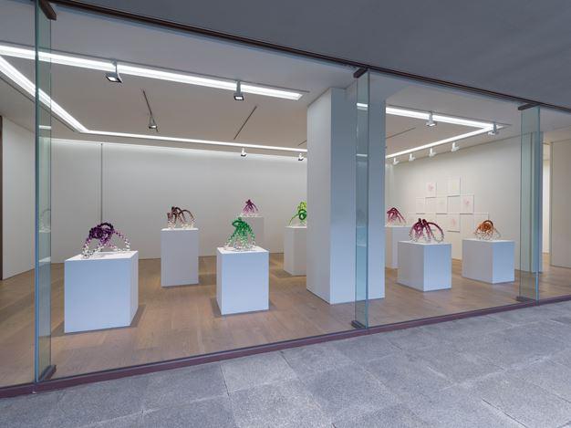 Exhibition view: Jean-Michel Othoniel,Dream Road, Perrotin, Tokyo (16 September–7 November 2020). © Jean-Michel Othoniel / ADAGP, Paris & SACK. Courtesy the artist and Perrotin.Photo: Kei Okano.