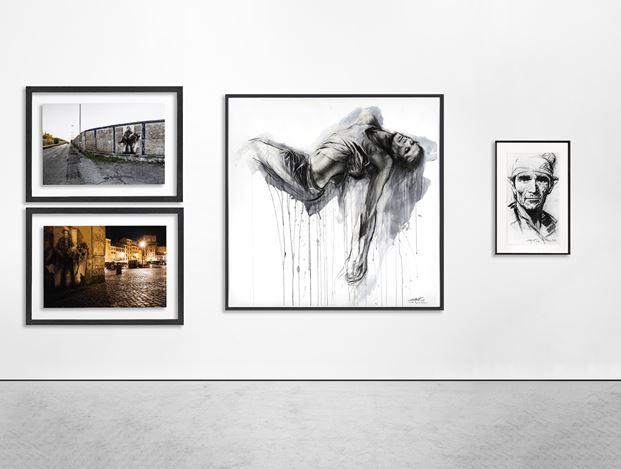 Exhibition view:Ernest Pignon-Ernest, Naples - Napoli - Derrière la vitre,Galerie Lelong & Co, 13 Rue de Téhéran, Paris (20 May–13 June 2020). © Ernest Pignon-Ernest. Courtesy Galerie Lelong & Co.