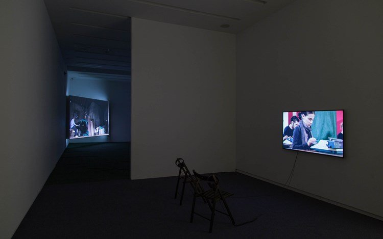 Johanna Billing, Learning How to Drive a Piano (2015). HD, 22.40 min, loop. Exhibition view: Kavi Gupta, Elizabeth St, Chicago (4 June–6 August 2016). Courtesy the artist and Kavi Gupta. Photo: Sigrid Marie Luise Lange.