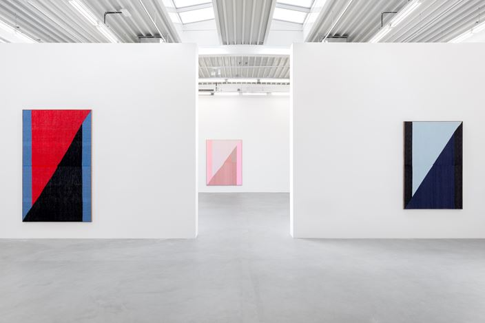 Exhibition view: Brent Wadden, Banks / Bars, Almine Rech, Brussels (24 April–22 May 2019). © Brent Wadden. Courtesy the Artist and Almine Rech. Photo: Hugard & Vanoverschelde Photography.