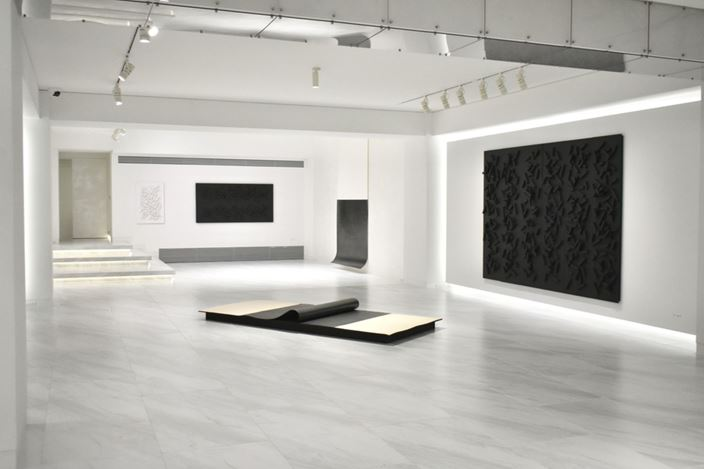 Exhibition view: Kiyoshi Hamada, Strata of Memory – Light and Shadow,√K Contemporary, Tokyo (19 September–24 October 2020). Courtesy√K Contemporary.