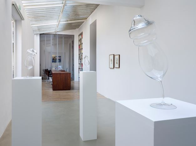 Exhibition view: Anri Sala, If and Only If, Galerie Chantal Crousel, Paris (15 October–24 November 2018). Courtesy the artist and Galerie Chantal Crousel, Paris. Photo : Florian Kleinefenn.