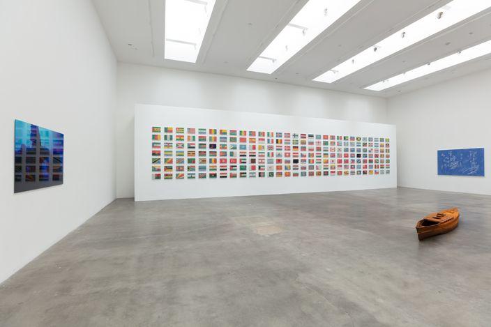 Exhibition view: Yukinori Yanagi,Blum & Poe, Los Angeles (17 July–14 August 2021).  © Yukinori Yanagi. Courtesy the artist, Blum & Poe, Los Angeles/New York/Tokyo. Photo: Jenalee Harmon