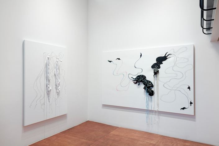 Exhibition view: Nicholas Hlobo, Lehmann Maupin, Seoul (21 March–18 May 2019).Courtesy the artist and Lehmann Maupin, New York, Hong Kong, and Seoul.Photo: OnArt Studio.
