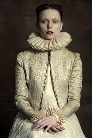 The Queen by Romina Ressia contemporary artwork