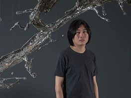 Young sculptor confronts timeless themes