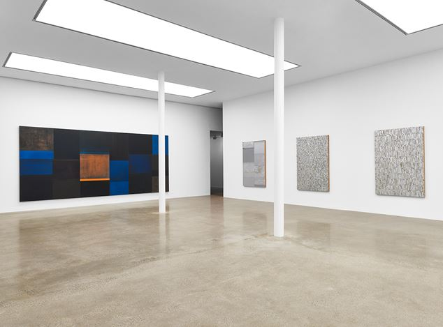 Exhibition view: Gabriel de la Mora, Serial, Timothy Taylor, London (18 March–7 May 2016). © Gabriel de la Mora. Courtesy the Artist and Timothy Taylor, London.