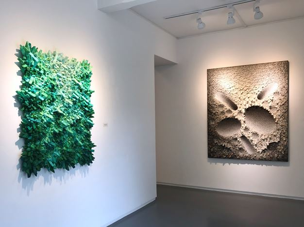Exhibition view: Chun Kwang Young,Collisions: Information, Harmony and Conflict,Sundaram Tagore Gallery, Singapore (22 November 2019–1 February 2020). Courtesy Sundaram Tagore Gallery.