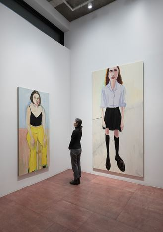 Exhibition view:Chantal Joffe, Teenagers, Lehmann Maupin, Seoul (12 November 2020–29 January 2021). © Chantal Joffe. Courtesy the artist and Victoria Miro. Presented by Lehmann Maupin, Seoul.Photo: OnArt Studio.