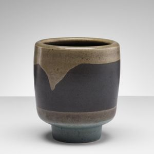 Vessel HK5 by Heidi Kippenberg contemporary artwork sculpture, ceramics