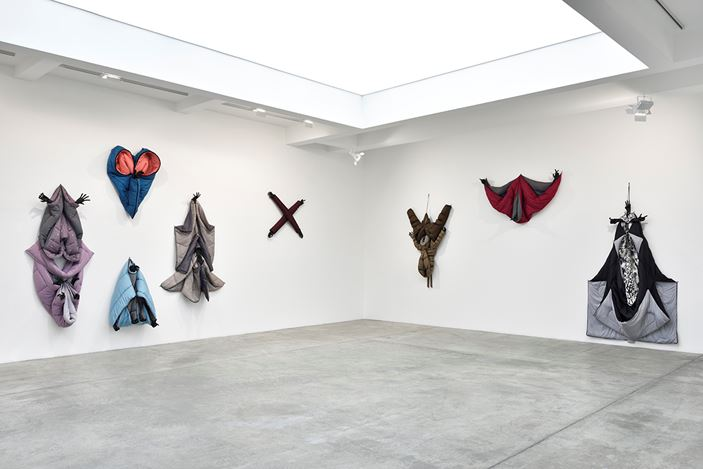 Exhibition view: Annette Messager, Sleeping Songs, Galerie Marian Goodman, Paris (24 May–19 July 2019). Courtesy Galerie Marian Goodman.
