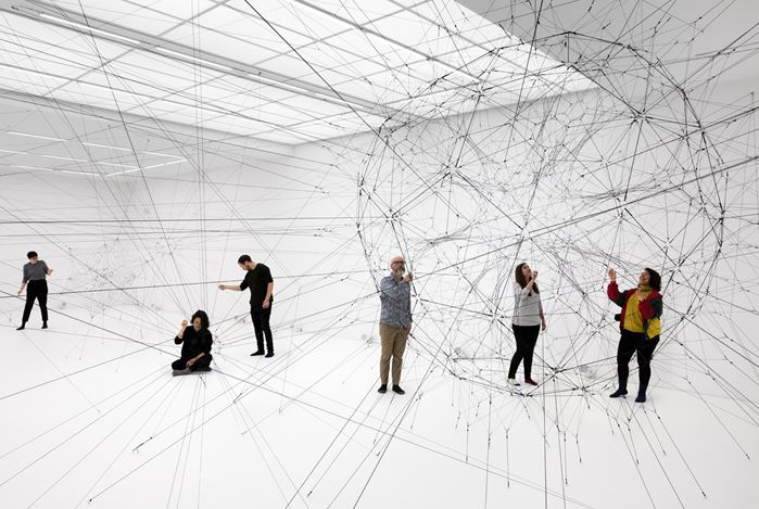 Exhibition view: Tomás Saraceno, Algo-r(h)i(y)thms, Esther Schipper, Berlin (16 November–21 December 2019). Courtesy the artist and Esther Schipper, Berlin. Photo: Andrea Rossetti.