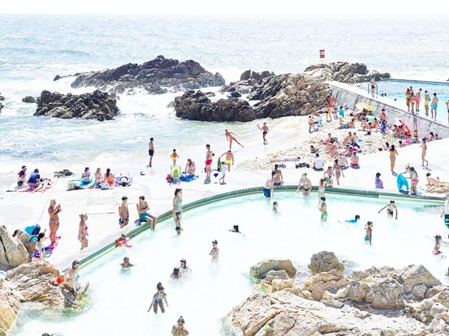 Piscina das Mares Leça de Palmeira Left by Massimo Vitali contemporary artwork