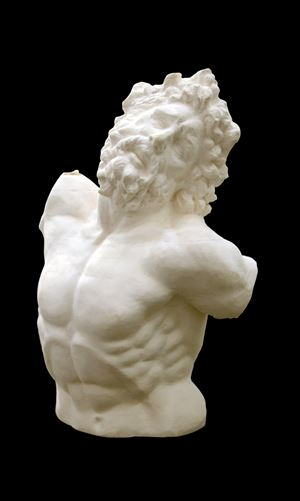 Bust of Laocoonte by Li Hongbo contemporary artwork