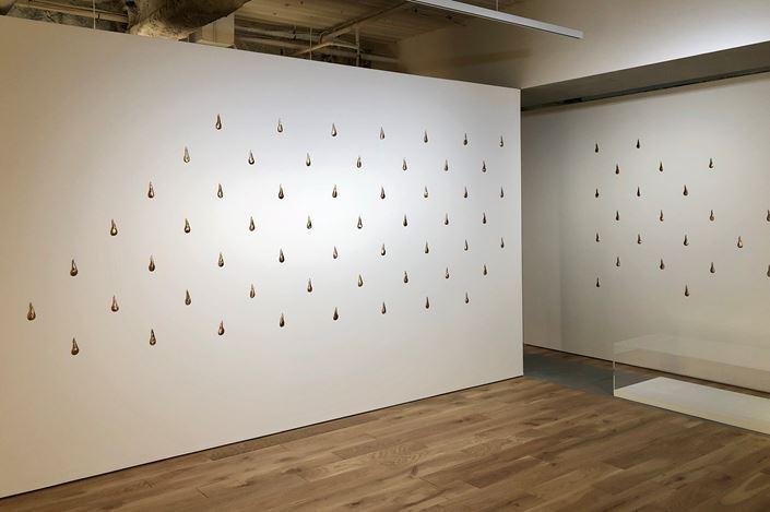 Exhibition view: Simon Fujiwara, The Antoinette Effect サイモン・フジワラ, TARO NASU, Tokyo (13 July–10 August 2019). Courtesy TARO NASU.