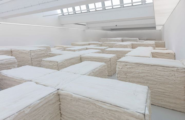 Exhibition view:Zhao Zhao, White, Tang Contemporary, Beijing 2nd Space (20 May–30 June 2020). Courtesy Tang Contemporary.