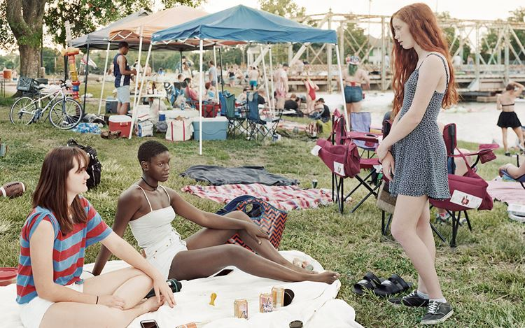 An-My Lê, Fragment II: High School Students on Fourth of July Celebration, New Orleans, Louisiana, from Silent General (2017) (detail). Pigment print. 101.6 x 143.5 cm, incl frame: 102.2 x 144.1 x 3.8 cm. Edition of 5 + 2AP. Courtesy Marian Goodman Gallery.