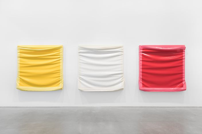 Exhibition view: Angela de la Cruz, Layers, Galerie Thomas Schulte, Berlin (26 October 2019–11 January 2020). Courtesy Angela de la Cruz and Galerie Thomas Schulte, Berlin.Photo: ©Stefan Haehnel.