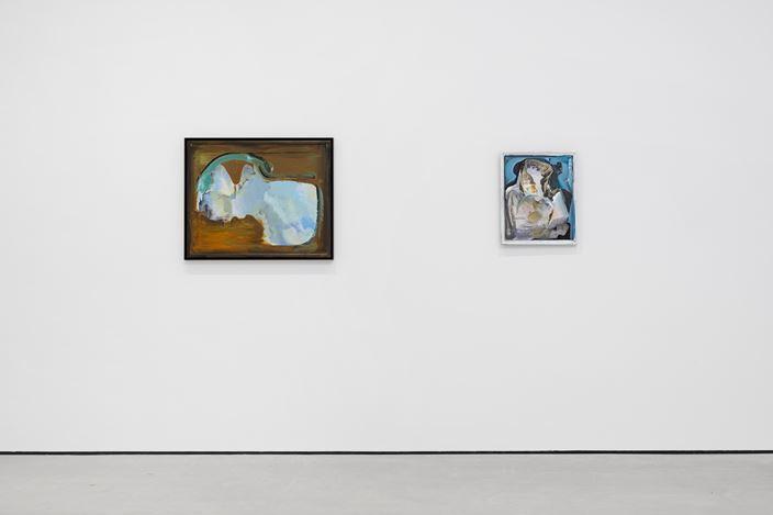 Exhibition view: Katy Moran, Recent Paintings, Modern Art, Vyner Street, London (11 January–19 February 2020). Courtesy Modern Art.