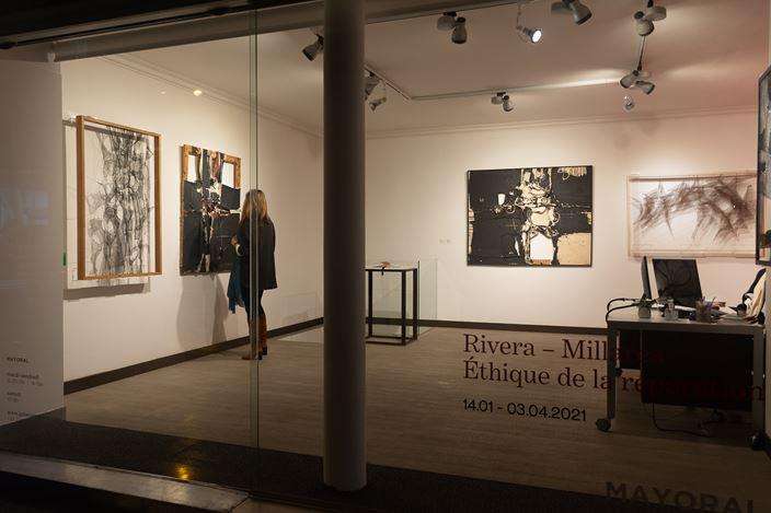 Exhibition view: Manuel Rivera & Manolo Millares, Rivera – Millares: Ethics of Reparation,Galeria Mayoral, Paris (14 January–3 April 2021).Courtesy Galeria Mayoral.